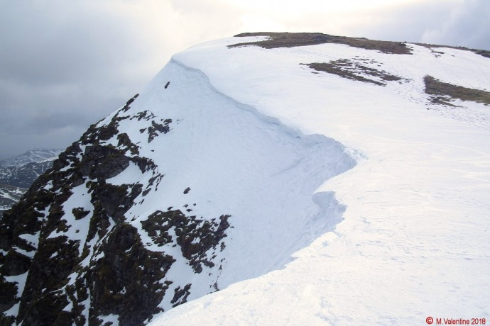 Cornices on approach to Nethermost Pike.