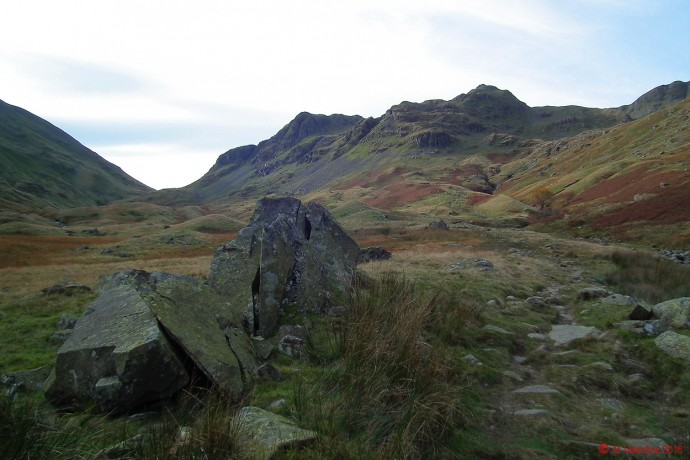 The head of Grisedale, with Dollywaggon Pike to the centre, and Nethermost Pike to its right.