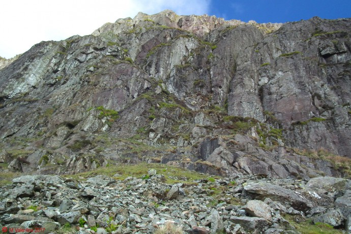 Looking up to Jack's Rake.